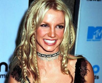 model gaya rambut tahun 2000 Britney Spears