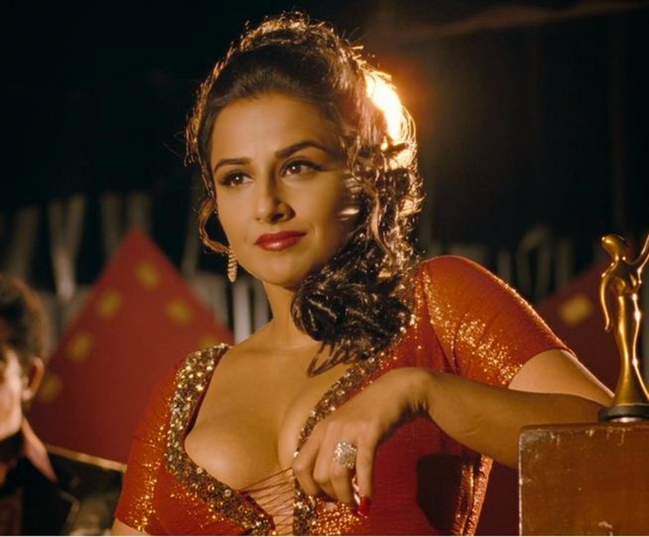 Bollywood Pics Pix4World Vidya Balan Hot And Sexy Hd Pictures-3998