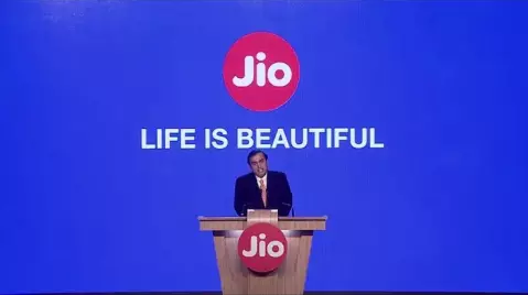 Jio is giving everything for free on recharge of Rs 349 a year ~ The