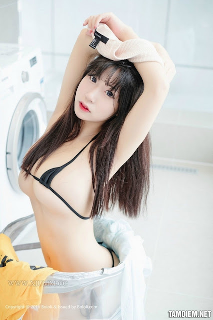Hot girls Sexy Boob Girl Washing Clothes 10