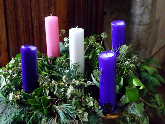 How We Celebrate Advent at My House (including links and resources)