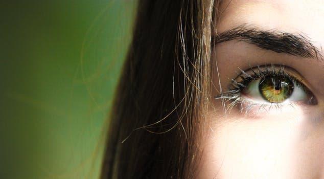 """تعرفي على تلك الوصفات المذهلة لعلاج انتفاخ العينين """"عشان تعيطي براحتك"""""""