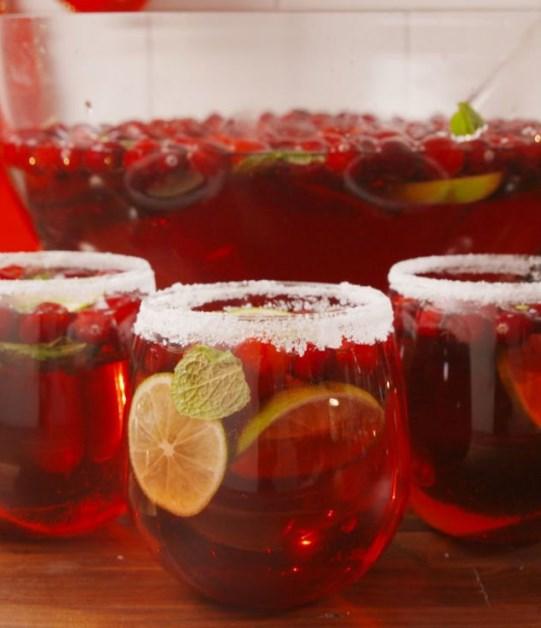 Jingle Juice Cocktail #christmas #cocktails