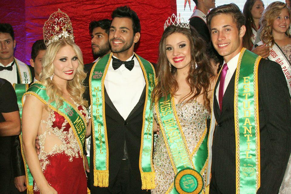 Os vencedores Aline Hammerschimidt, Felipe Bittencourt, Inaê Souza e Kaian Bentlin. Foto: Divulgação