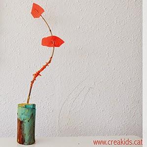 CreaKids: eco esculturas con troncos, hilos, fieltro y ramas