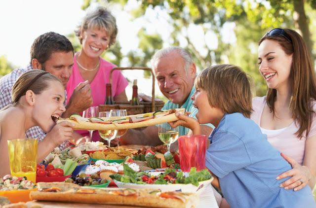 Tips Makan Makanan yang Aman