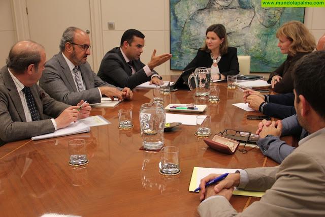 Gobierno de Canarias y productores pide que el POSEI compense la comercialización fuera de las Islas independientemente del destino