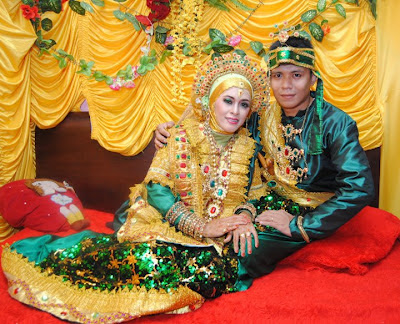 Rincian Acara Pernikahan Adat Bugis