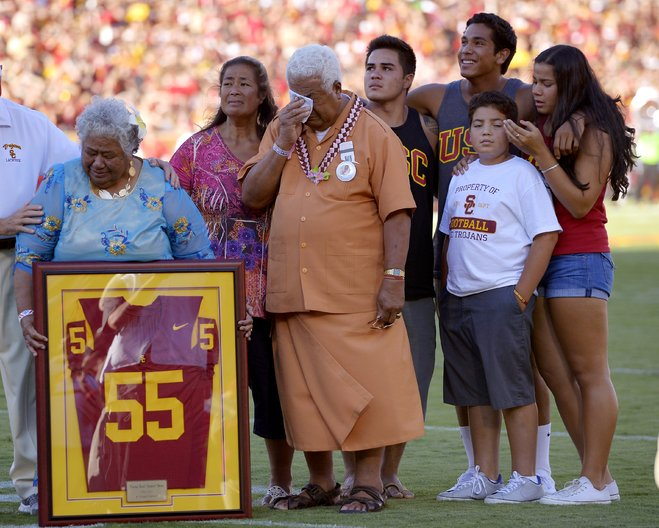 66de6cc0c Junior s family was on hand and was given a framed  55 jersey. Before the game  they passed out Seau wristbands. Sadly