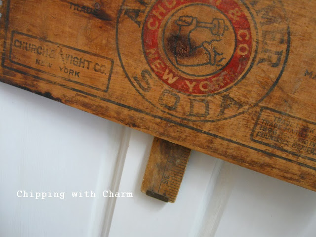 Chipping with Charm: Crates and a Plate Christmas Tree...http://www.chippingwithcharm.blogspot.com/