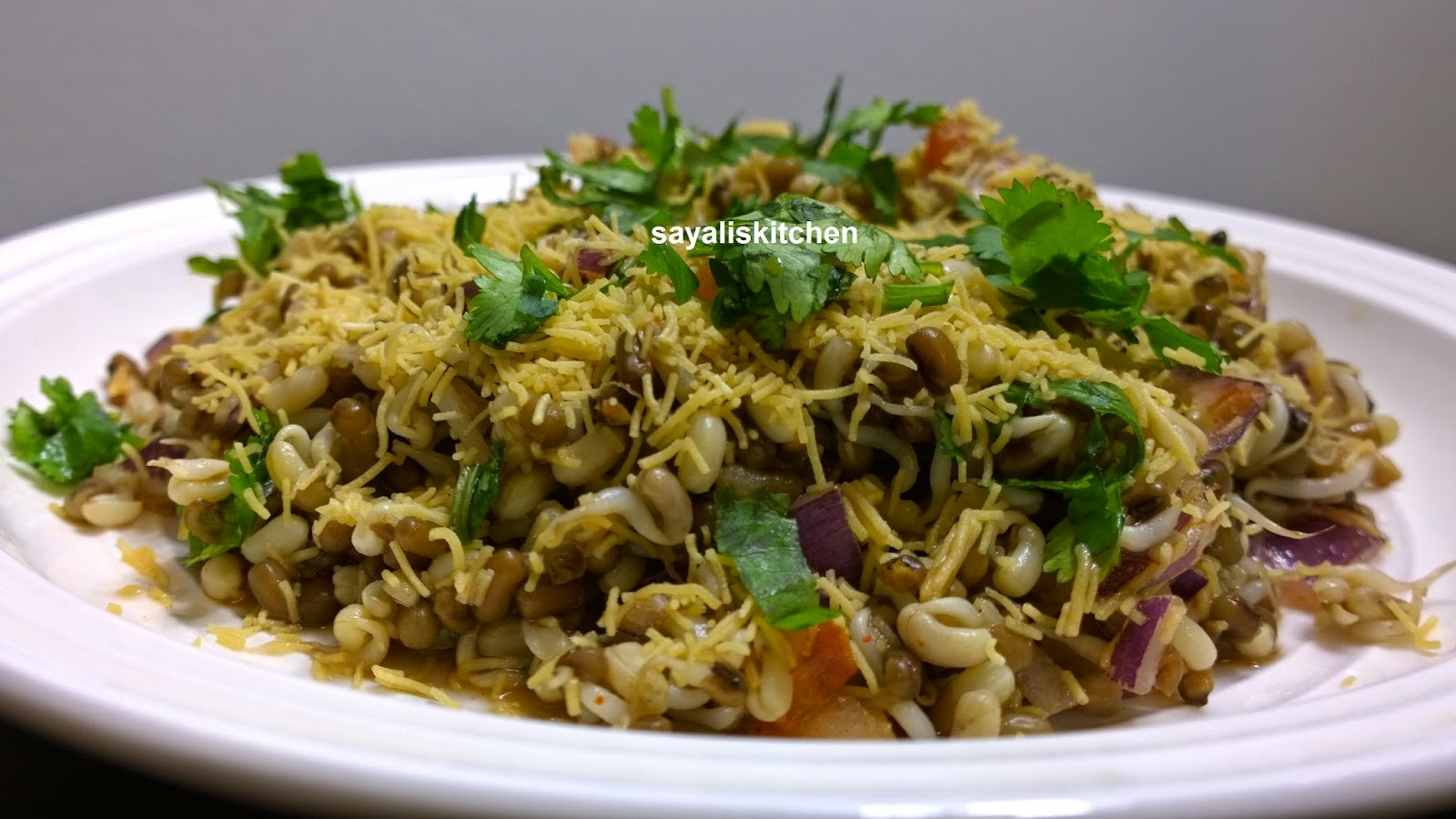 Mataki Bhel - Sprouts Bhel - Healthy Chat Item - Sprouts Recipe