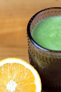 vaso zumo verde y limón