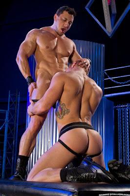 http://pakomx.blogspot.com/2015/06/pareja-en-accion-johnny-v-joey-d-raging.html