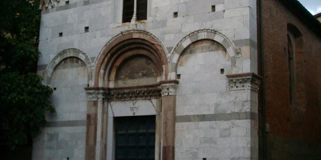 Informações sobre a Chiesa Santa Giulia em Lucca