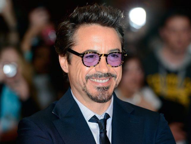 حقائق-عن-روبرت-داوني-جونيور-المشهور-بدور-توني-ستارك-ايرون-مان-شارلوك-هولمز-المنتقمون-افينجرز-الرجل-الحديدي-نظارات-توني-ستارك-سبايدرمان--الأرملة-السوداء