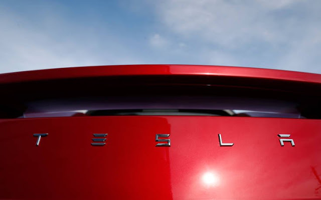 Υπάρχει ένας συγκεκριμένος λόγος που η Tesla δεν κατασκευάζει μοτοσικλέτα