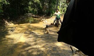 Jalan Kecamatan Payaraman Samapi Kecamatan Rambang Kuang OI Rusak Parah