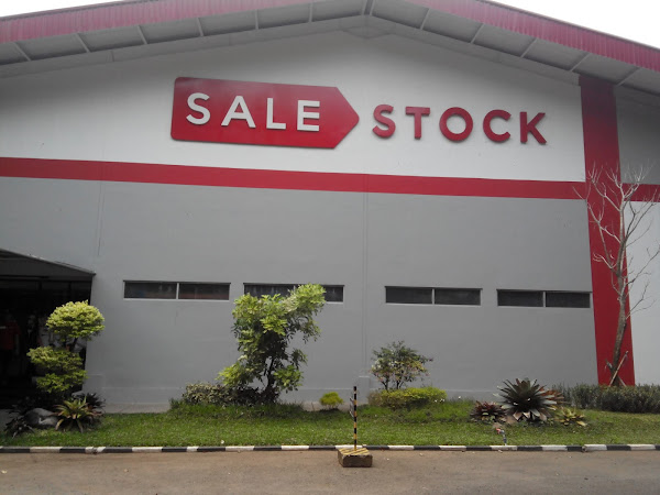 Jalan-jalan ke Warehouse SaleStock [Adventure]