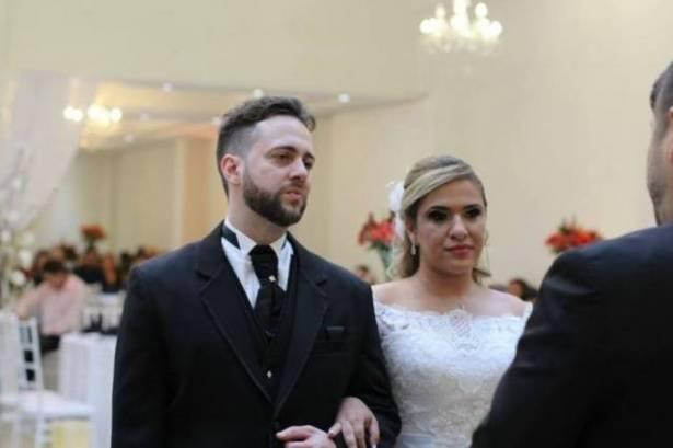 بالفيديو.. لن تصدّقوا ماذا قدّم هذا العريس لطفلة زوجته المستقبليّة خلال حفل الزفاف!