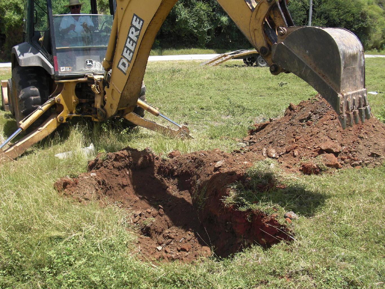 Excavación de calicatas con equipo para exploración a cielo abierto