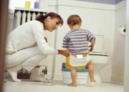melatih anak berak kencing sendiri