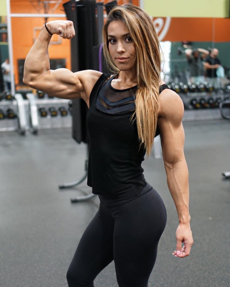 Fitness Models with Muscle Cassandra Martin