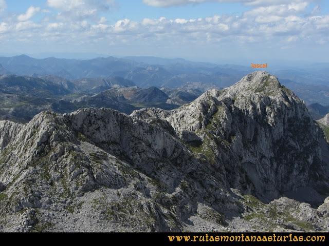 Ruta al Cabezo Llerosos desde La Molina: Vista de la Jascal desde el Cabezo Llerosos