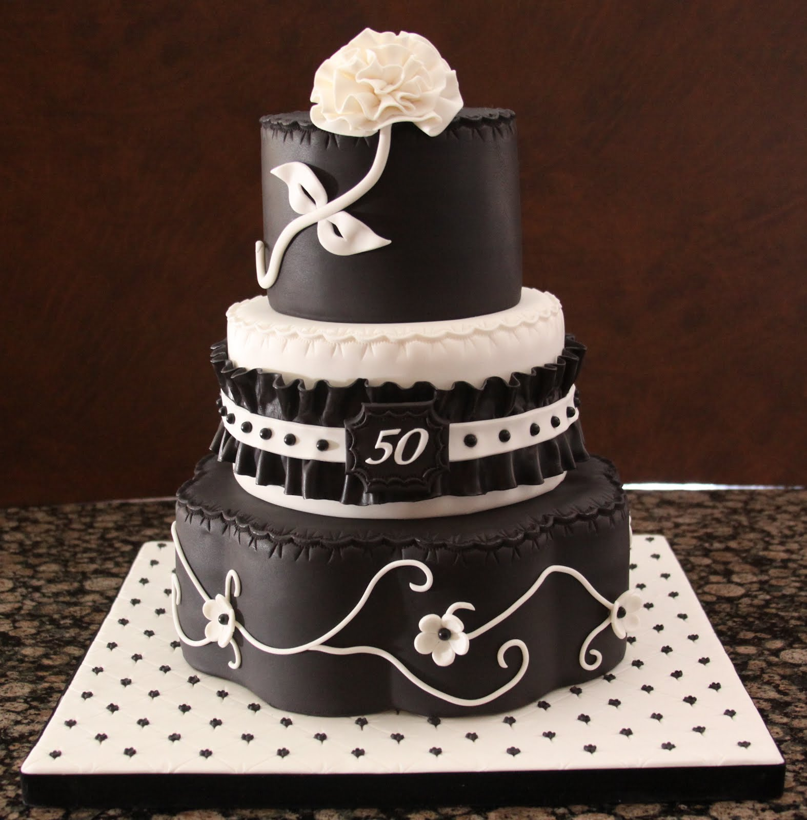.: Black And White 50th Birthday Cake