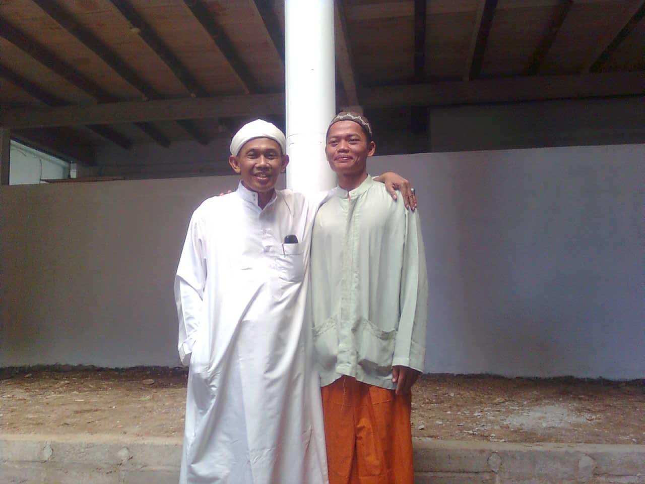 Drs. KH. M. Ibnu Mukti, M.Pd.I dan Kang Ismail (kang mail)