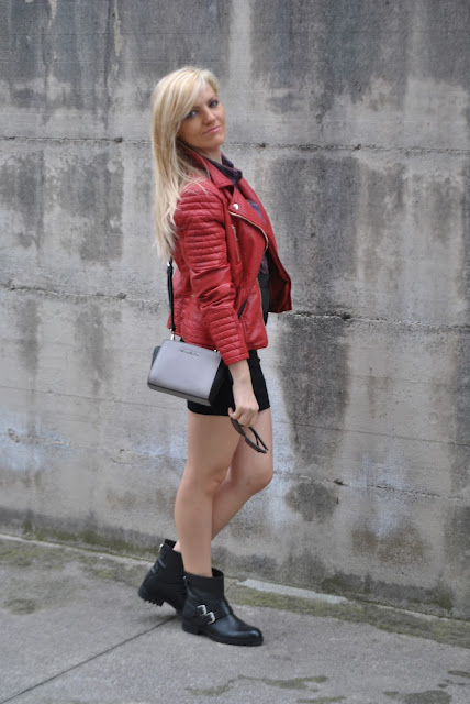 outfit mini gonna e stivali abbinamenti gonna e stivali biker come abbinare gonna e stivali biker abbinamento stivali biker neri e mini gonna biker boots and skirt how to combine biker boots and bandage skirt outfit invernali outfit marzo 2016 outfit casual invernali mariafelicia magno fashion blogger color block by felym fashion blogger italiane fashion blog italiani fashion blogger milano blogger italiane blogger italiane di moda blog di moda italiani ragazze bionde blonde hair blondie blonde girl fashion bloggers italy italian fashion bloggers influencer italiane italian influencer