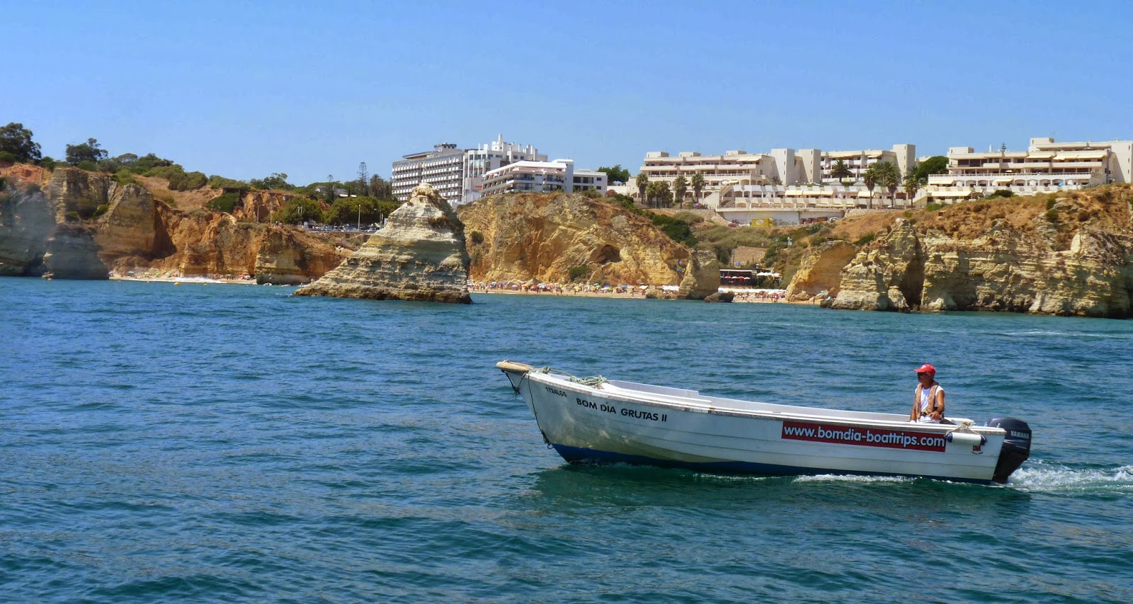 Playa de Dona Ana desde el barco.