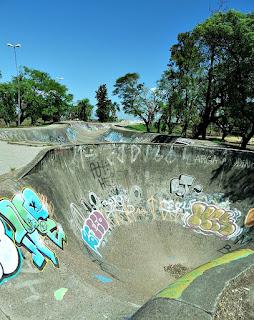 Rampa de Skate em Forma de Poço - Parque Marinha do Brasil