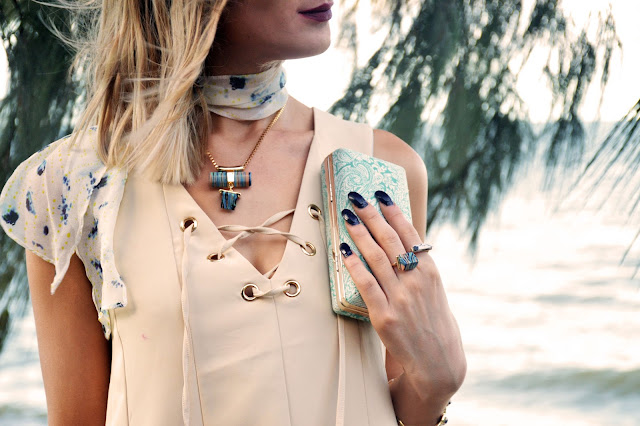 how to layer jewellery