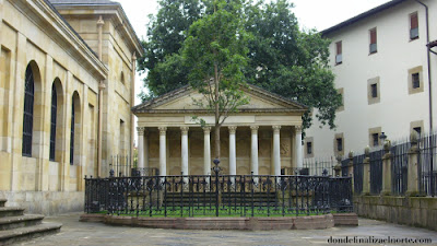 Casa de las Juntas y árbol de Guernica