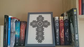 Czarny frywolitkowy krzyż!
