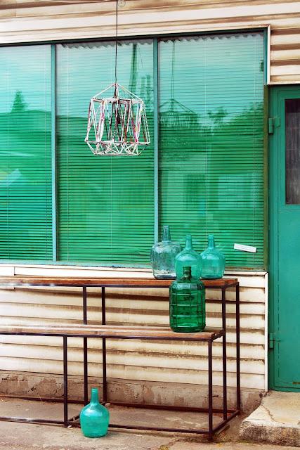 Kolorowe szkło, butelki