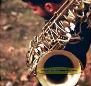 Sejarah Singkat Perkembangan Saxophone