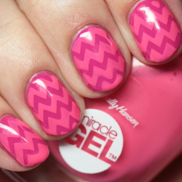 Sally Hansen Miracle Gel vinyl nail art