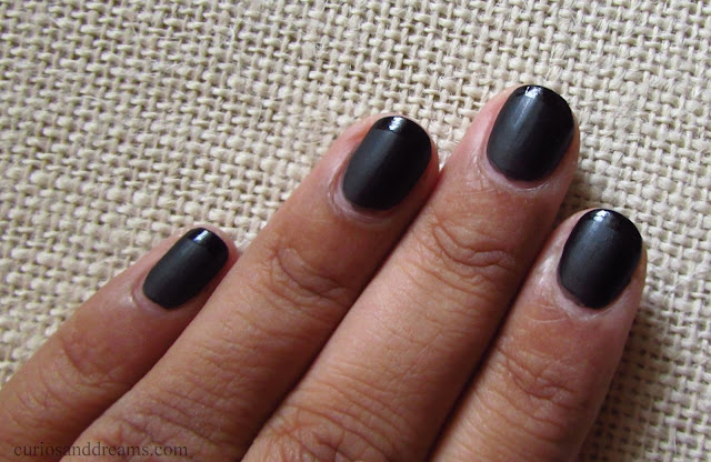 Colorbar Matte nail Lacquer review, Colorbar Matte nail Lacquer Blackness review, Colorbar Blacknes review, Colorbar Blacknes swatch