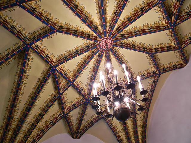 zamek w Czernej, rewelacja, piękne budowle