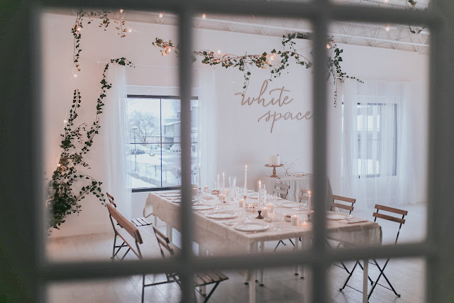 Minimal-Climbing-Ivy-Studio-Dinner-Party-Design