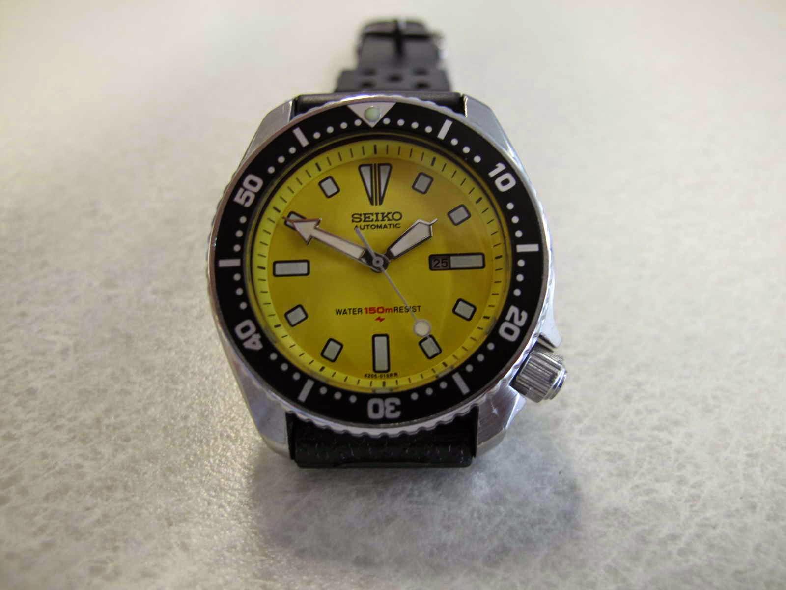 Cocok untuk Anda yang sedang mencari jam tangan Diver dengan diameter case  pas di tangan.. tidak terlalu besar... dial Eye Catching. c824020e7f