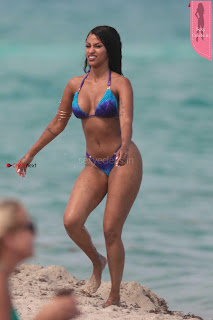 Fanny Neguesha sexy dusky Huge Ass WOW Ultimate Hot Bikini Body Huge ass Boobs Must see Bikini Candids 6th April 2017