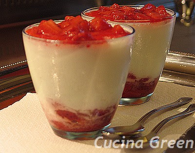 mousse light yogurt e fragole