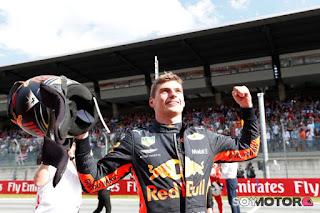 FÓRMULA 1 - Victoria de Verstappen en Spielberg, por delante de los Ferrari y con los Mercedes sin acabar la carrera