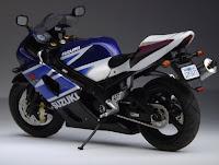 Suzuki GSX-R 1000 2003 - IXO 1/24