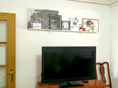 DIY Ideas for Decorating a Living Room Wall