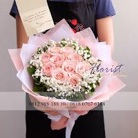 bunga valentine, buket bunga dan cokelat, buket bunga ferrero rocher, buket bunga mawar, bunga mawar valentine, handbouquet mawar, bunga mawar 100tangkai, buket rose, toko bunga, florist jakarta, toko bunga jakarta barat