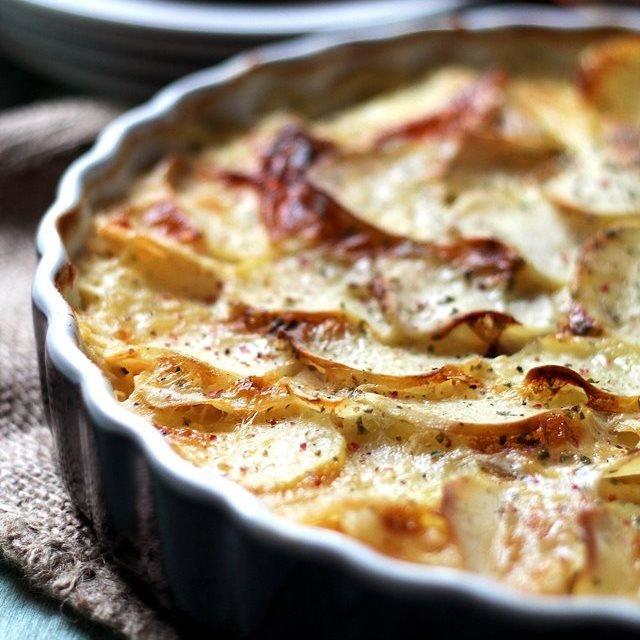 طاجن البطاطس بالبصل والجبن