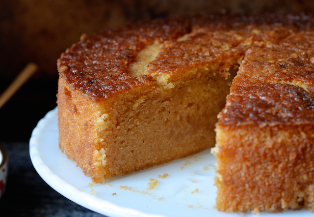 Lemon Almond And Olive Oil Sponge Cake